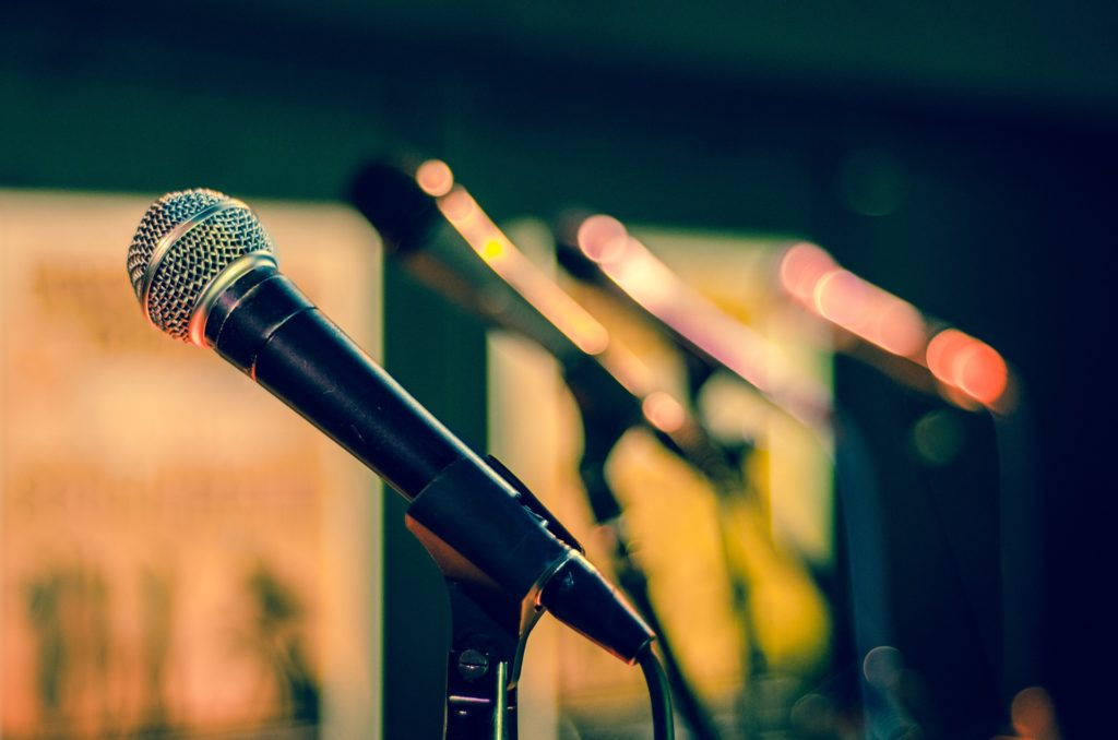 Karaoké Box vous propose de découvrir vos talents de chanteur